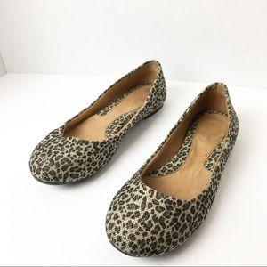 🐆 SZ 6 Born Leopard Print Flats 🐆